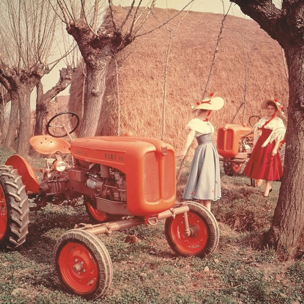two-new-models-18-and-411-new-holland-agriculture-history-1950