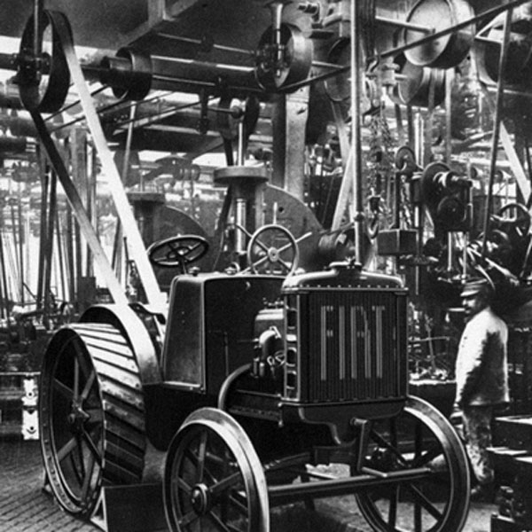 fiat-reaches-2000-units-produced-new-holland-agriculture-history-1927