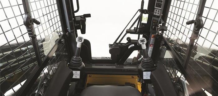 skid-steer-loader-versatility-and-ergonomics